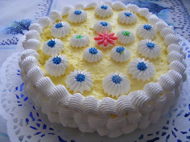 tejszinhabos vaniliakremes  torta