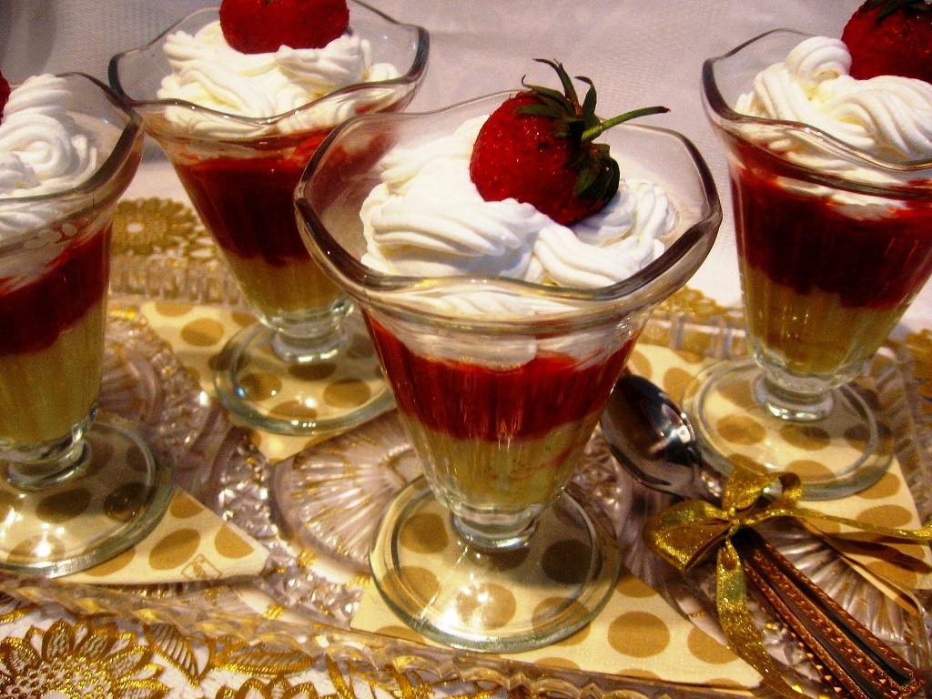 Tejszínkrémes epres csoda  jéghideg édesség a forró napokra