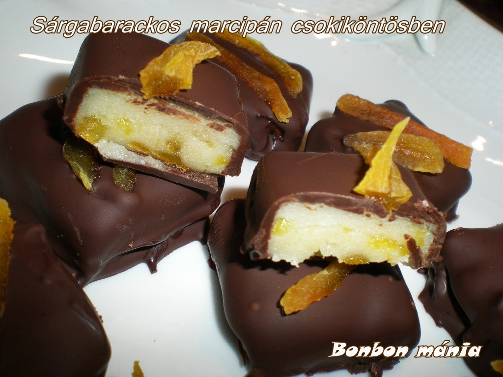 Gyümölcsös marcipán csoki köntösben