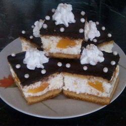 Öntött túrós sütemény csokimázzal