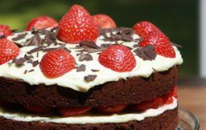 Diabetikus csokis-epres-kókuszos torta