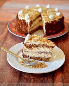 Diós- fehér csokoládés torta