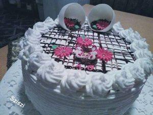 Eszterházy torta, krémes finomság ünnepi alkalmakra!