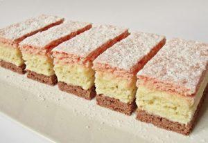Háromszínű sütemény