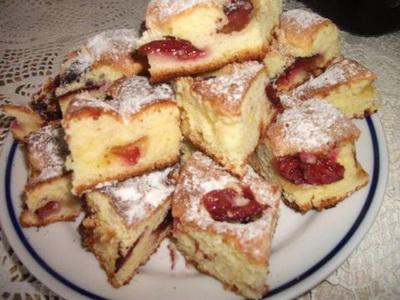 Kefires szilvás süti bögrésen