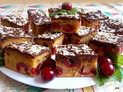 Karamellás-Meggyes kevert sütemény