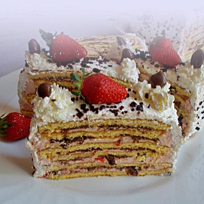 Vienetta sütemény eperrel és csokival